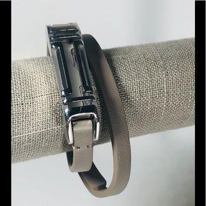 💃 💃 💃 Tory Burch gray leather wrap bracelet